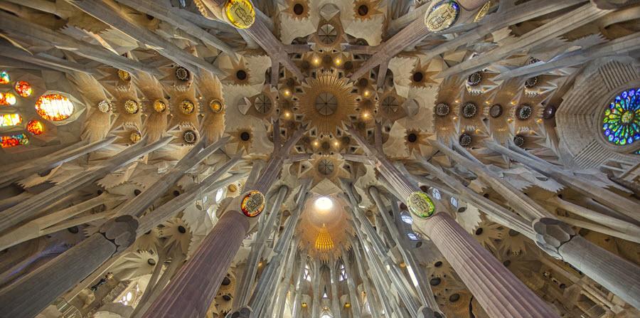 Sagrada Familia plafond binnen